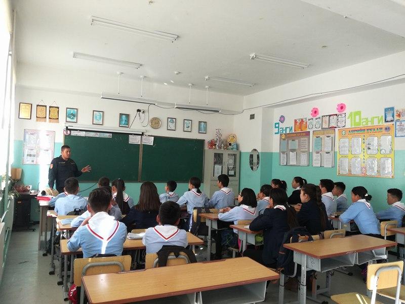 ЕБ-ын сургуулийн хүүхүүдэд Гамшгаас урьдчилан сэргийлэх сургалт, дадлагыг зохион байгуулав
